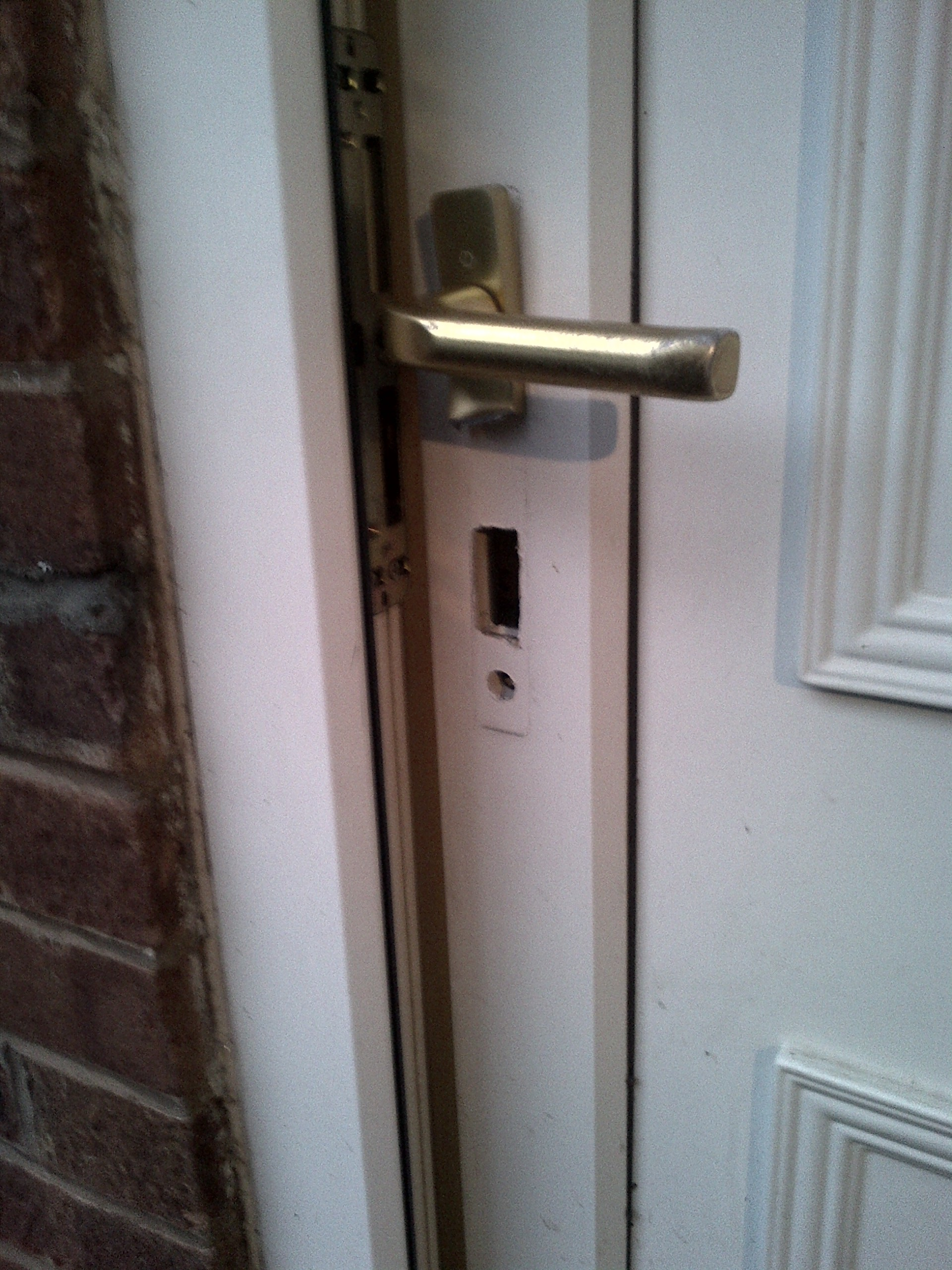 Secure Home Locksmiths - Lock Snapping Incident in Halesowen